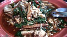 Zuppa di granchio e basilico