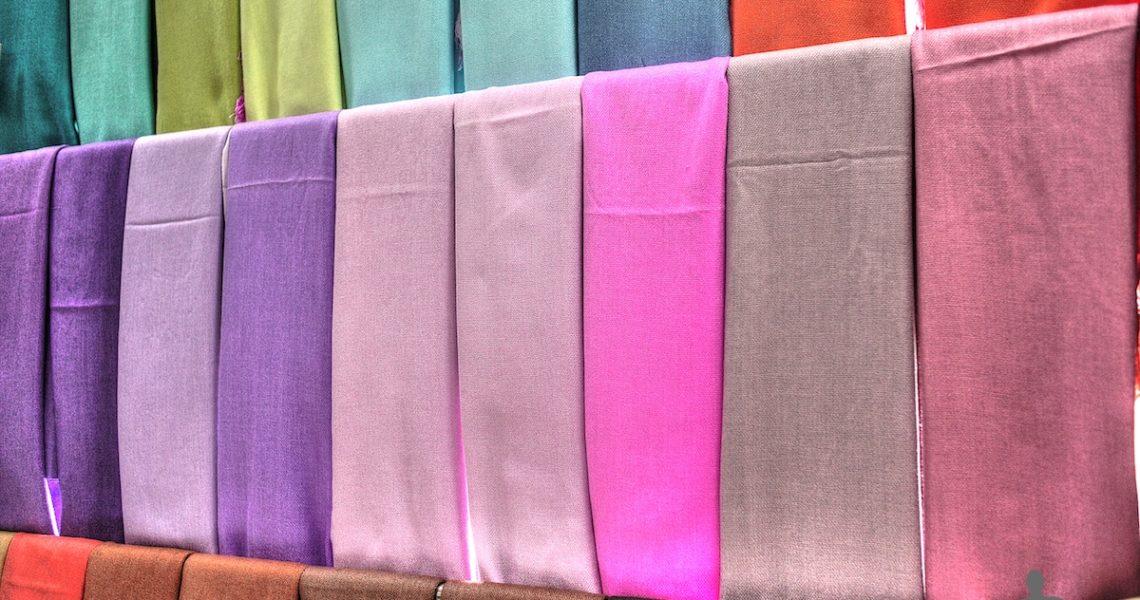 Pashmine colorate in Malesia