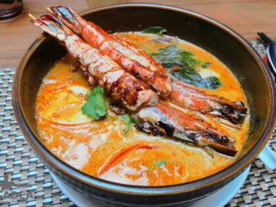 Zuppa thai con gamberi