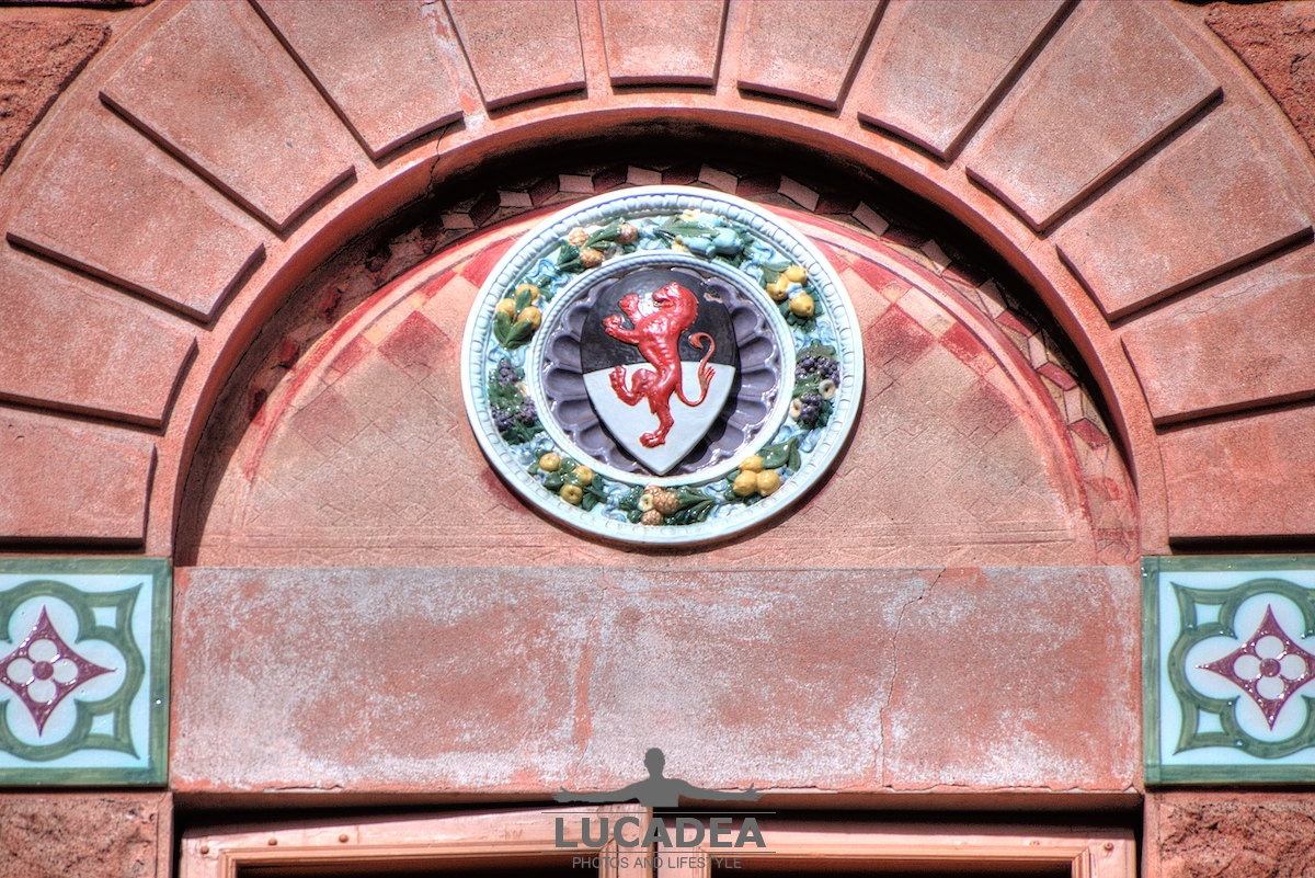 Maioliche a palazzo Fascie Rossi