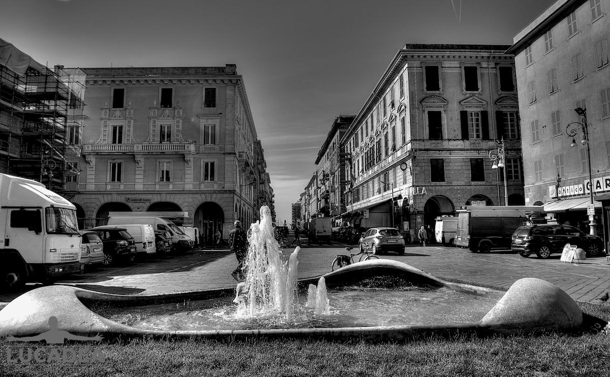 Piazza delle Carrozze in bianco e nero