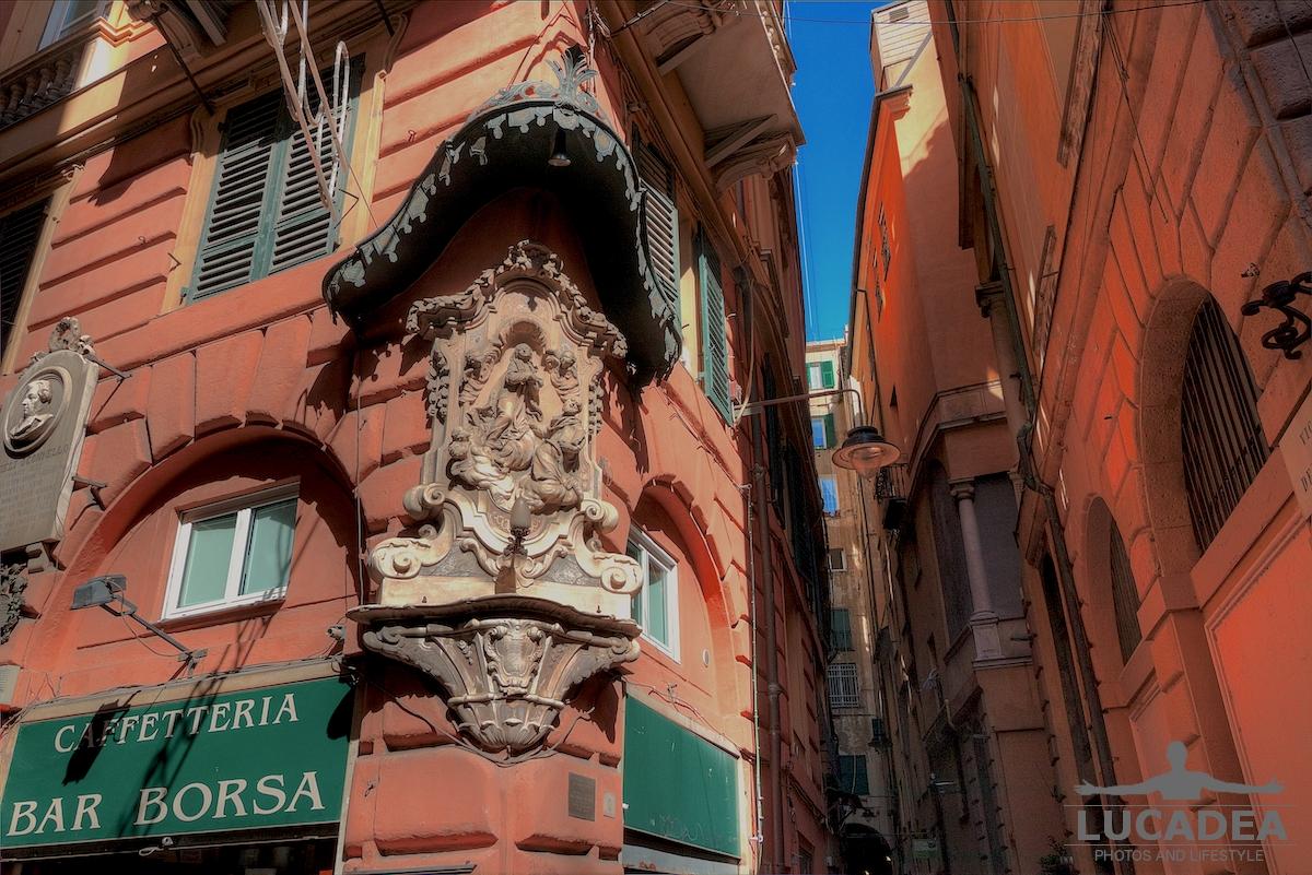 Edicola di Ponte Reale a Genova