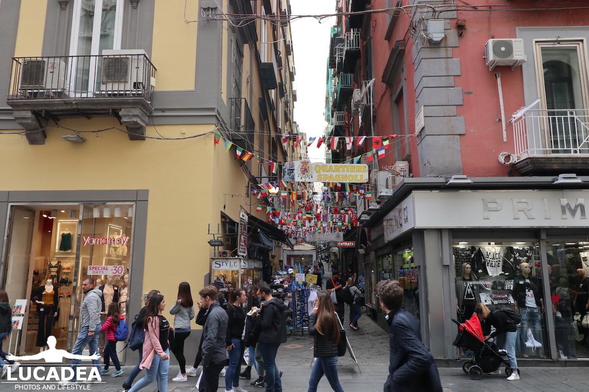 Napoli, ingresso ai Quartieri Spagnoli