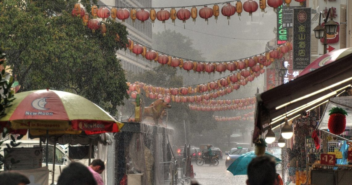 Singapore sotto la pioggia