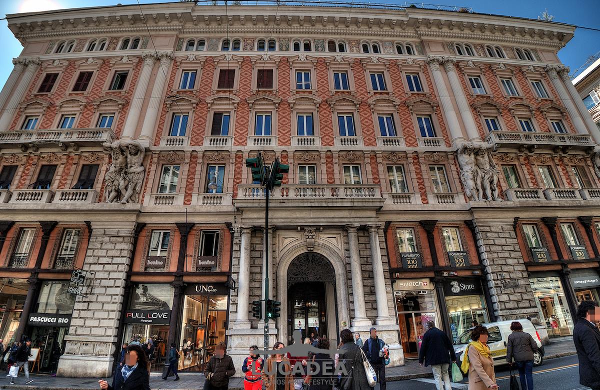Un palazzo di via Venti Settembre a Genova
