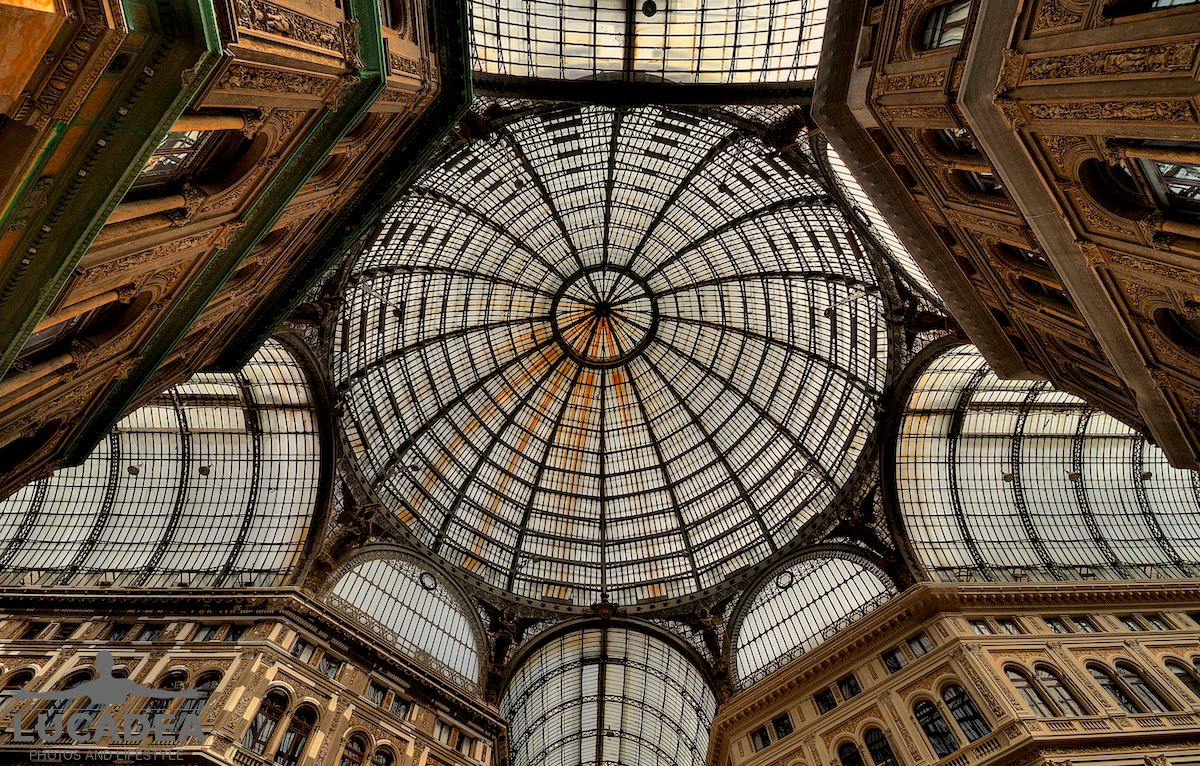 La cupola della Galleria Umberto I a Napoli