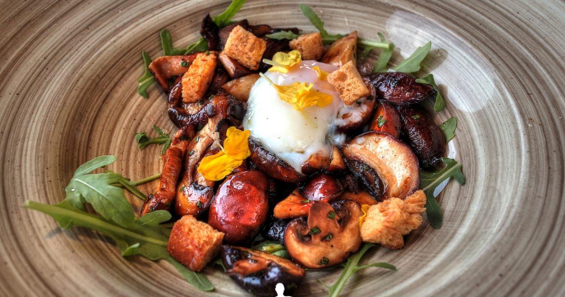 Funghi e uovo ad Ibiza