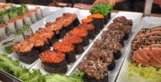 Vassoi di sushi a palma