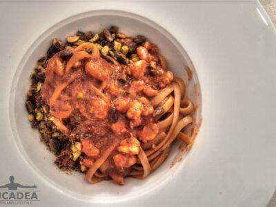 Pasta con gamberetti e pistacchi