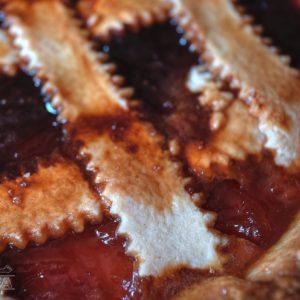 Crostata con confettura di fragole