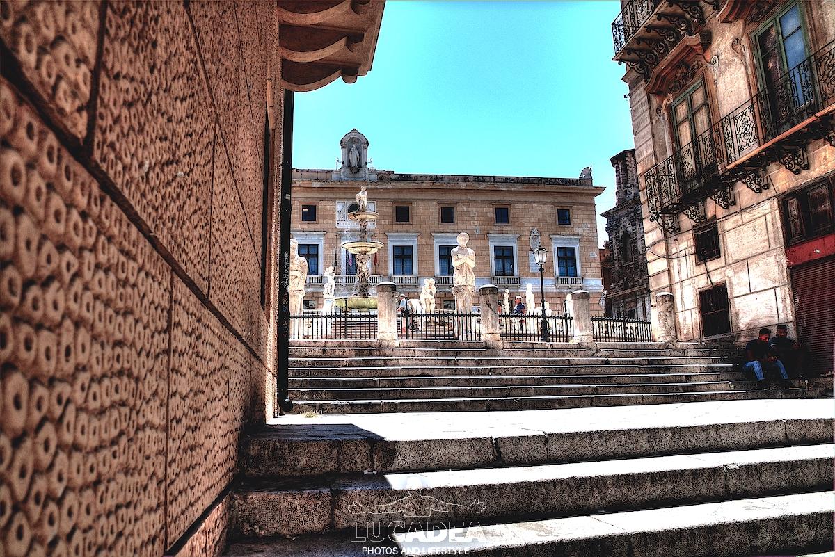 Scalinata fontana Pretoria a Palermo