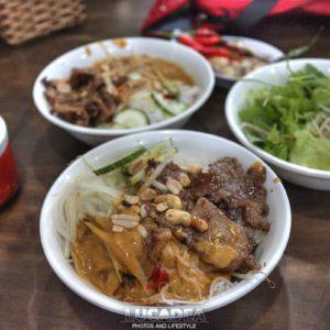 Bun thit nuong, altro piatto vietnamita