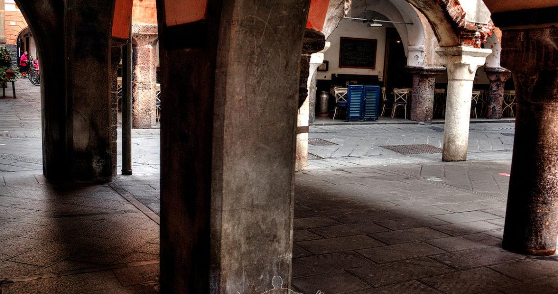 Archi e colonne a Chiavari