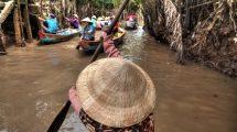 In barca in Vietnam