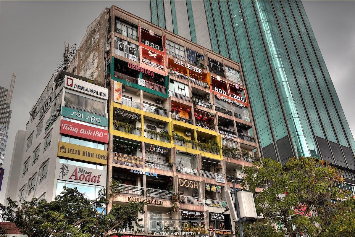 Vecchio e moderno ad Ho Chi Minh