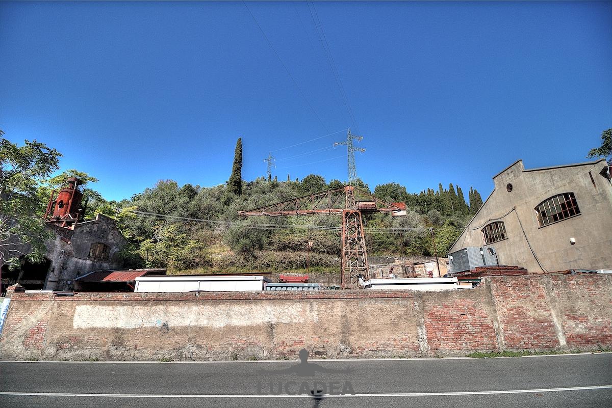 La fabbrica in via Petronio