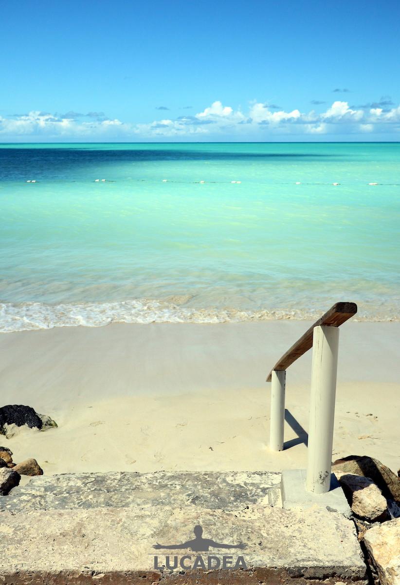 Scala verso il mare ad Antigua