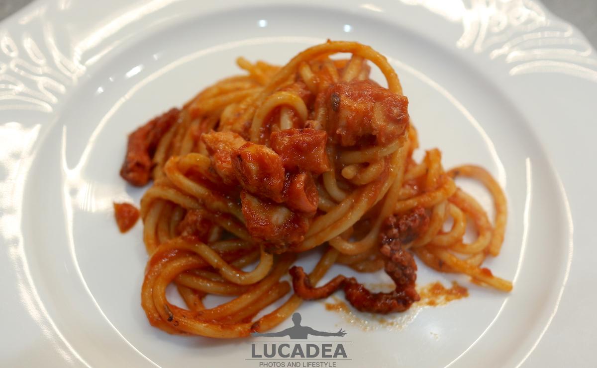 Spaghetti con il sugo di polpo