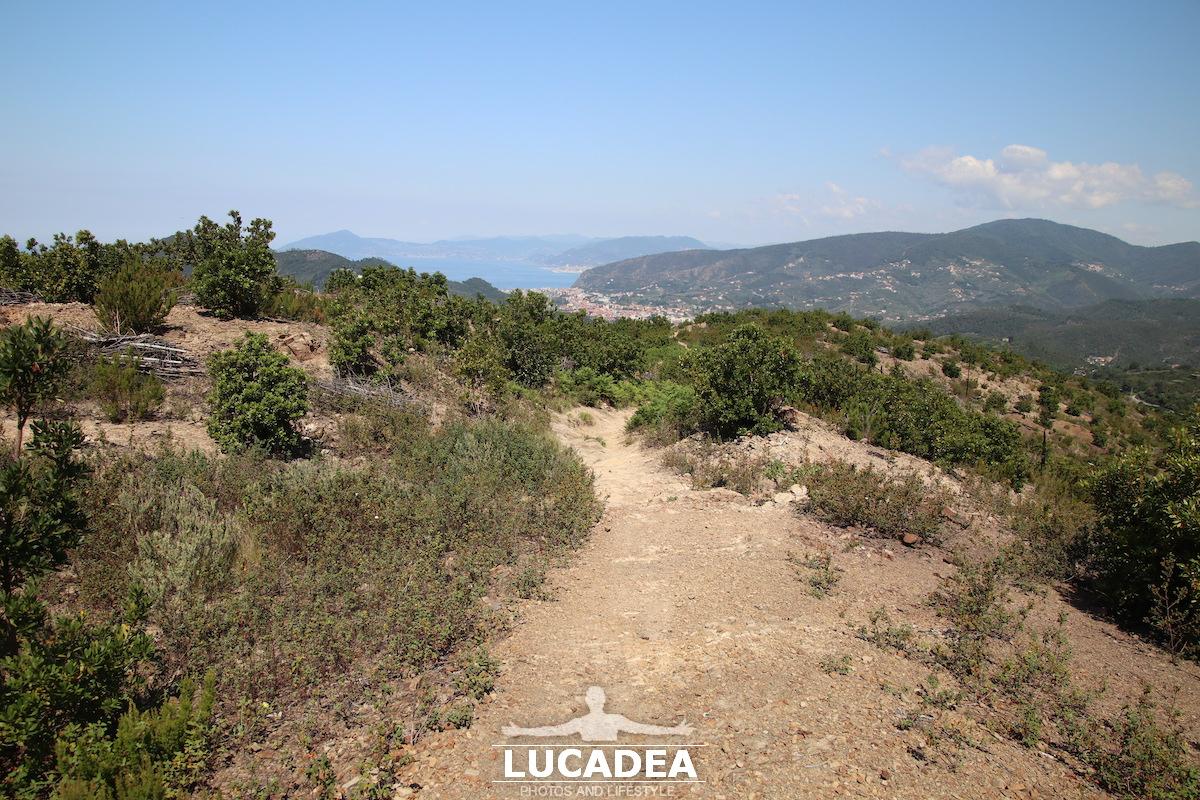 Il sentiero per Punta Baffe