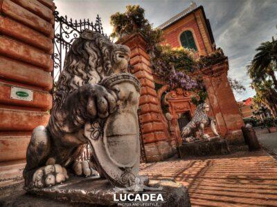 I leoni di fronte a Villa Balbi a Sestri Levante