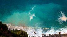 Il mare spumeggiante di Liguria