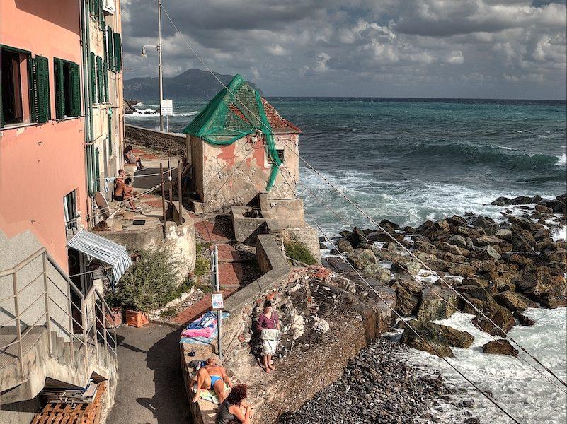 La spiaggetta di Quinto al Mare a Genova