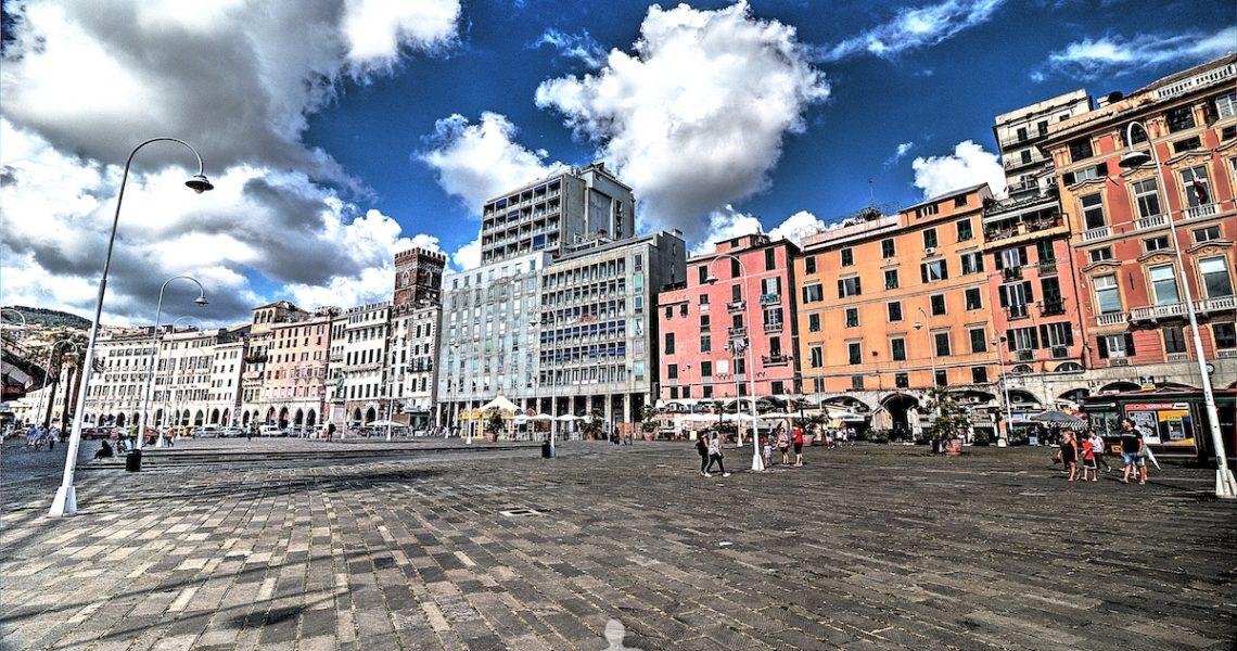 Piazza Caricamento a Genova