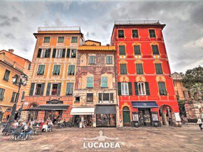 Palazzi in piazza Mazzini a Chiavari