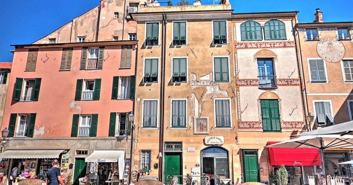 Piazza Giuseppe Garibaldi a Finalborgo