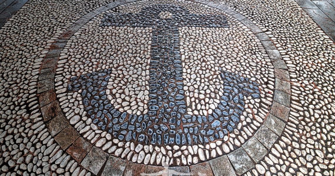 Ciottoli, o risseu, in passeggiata a Sestri Levante