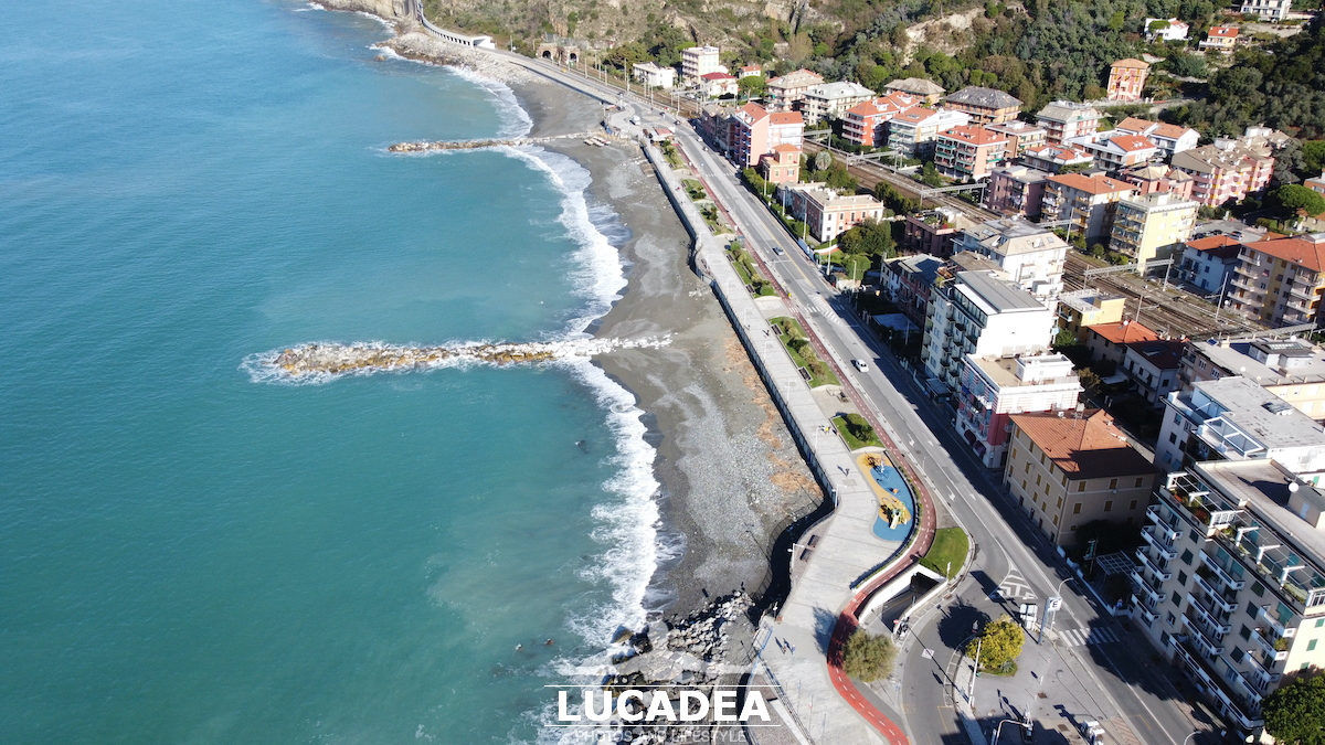 La spiaggia di Sant'Anna dal drone