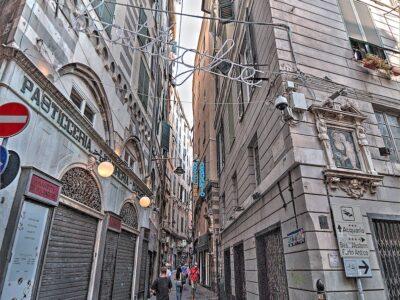 Via Fossatello dei vicoli di Genova