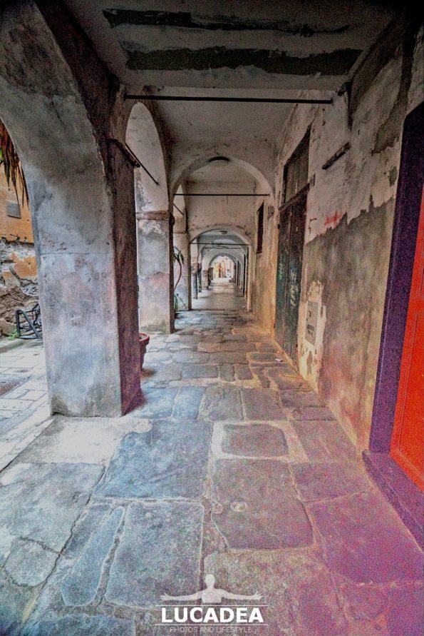 Il carrugio di via Bighetti a Chiavari