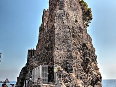 Il Castello di Aci in Sicilia