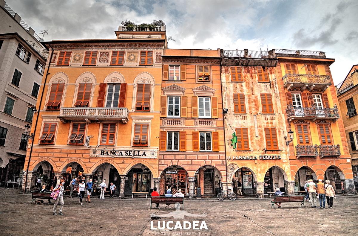 Palazzi di piazza Mazzini a Chiavari