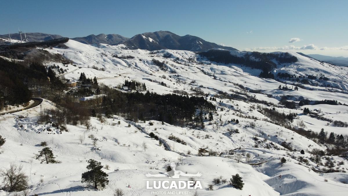 Il Passo di Centocroci sotto la neve invernale