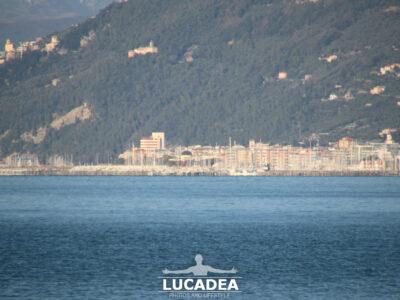 Chiavari e il suo porto visti da Sestri Levante