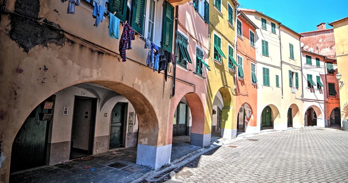 Varese Ligure e piazza Fieschi