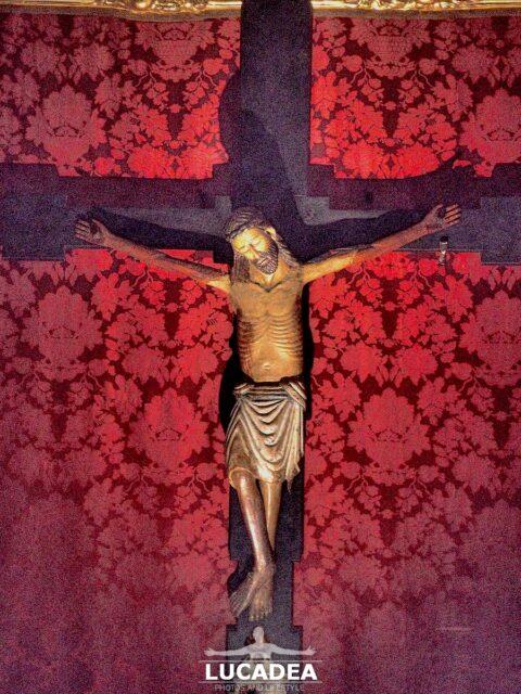 La statua del Cristo nella chiesa di Santa Maria di Nazareth