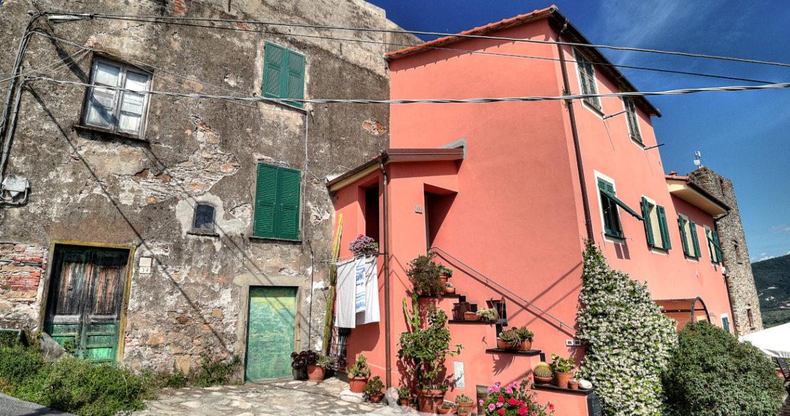 Uno scorcio di Villa Ginestra sulle alture di Sestri Levante
