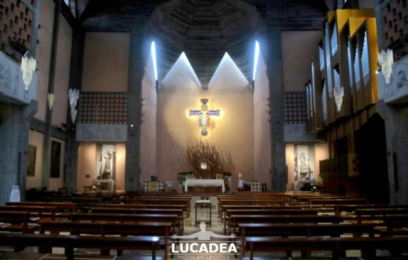 Il presbiterio della chiesa di Sant'Antonio a Sestri Levante
