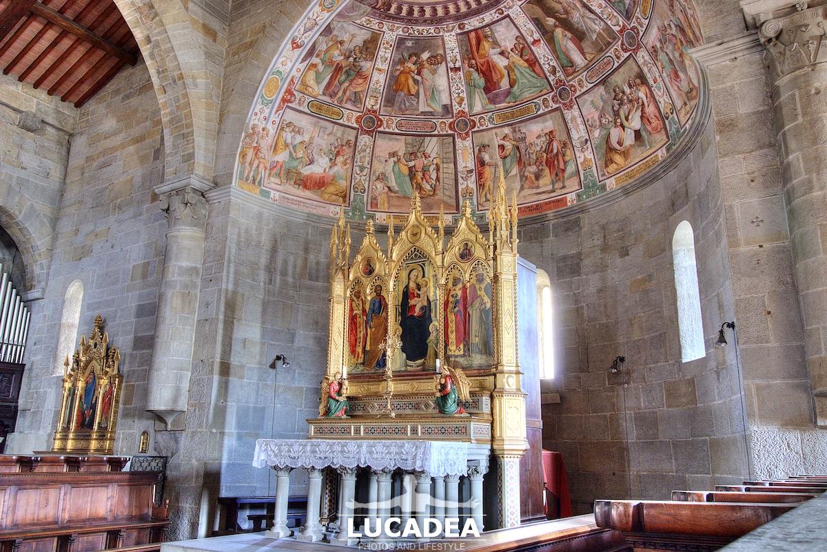 L'Altare Maggiore e l'Abside del Duomo di Fiesole (Firenze)