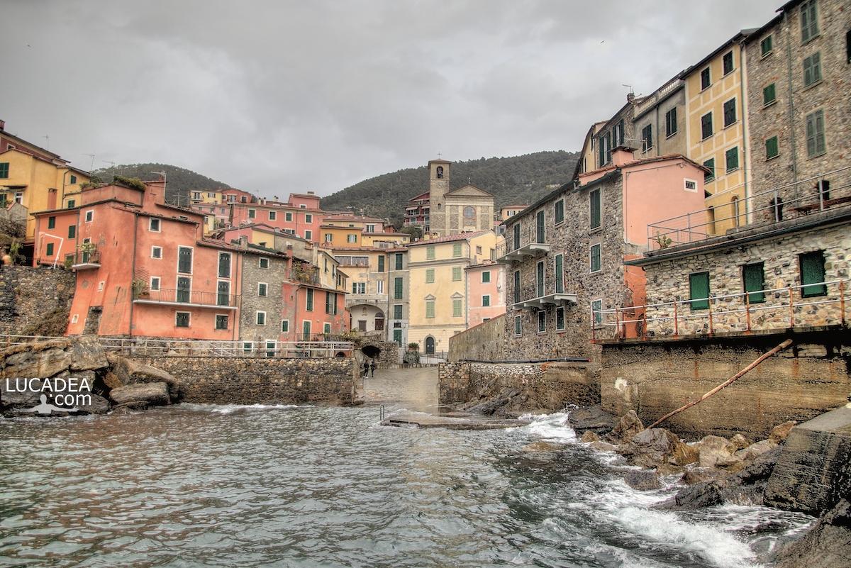 Il porticciolo di Tellaro, vicino a La Spezia