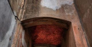 Una delle porte d'ingresso del Castello di Sestri